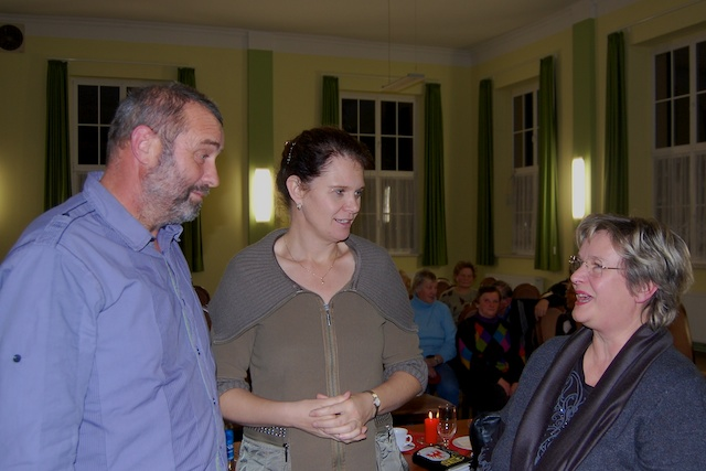 Hartmut Fort, Dr. Saskia Ludwig und Monika Schulz-Höpfner bei der Bürgerversammlung