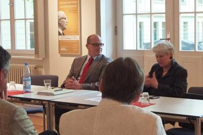 Vorsitzende des LACDJ, Danny Eichelbaum MdL und Verfassungsschutzchefin Winfriede Schreiber
