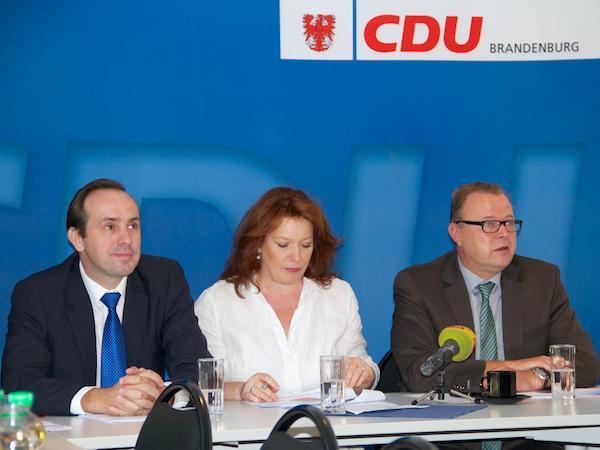 Stellten die Ergebnisse vor: Stellv. Landesvorsitzender Ingo Senftleben, Generalsekretärin Anja Heinrich und der Spitzenkandidat der CDU Brandenburg zur Bundestagswahl, Michael Stübgen