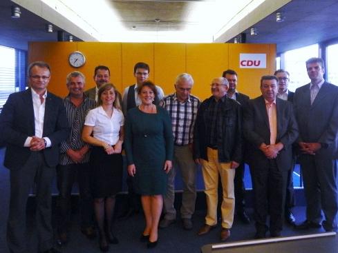 Der neugewählte Kreisvorstand der CDU Cottbus mit Michael Schierack und Generalsekretärin Anja Heinrich
