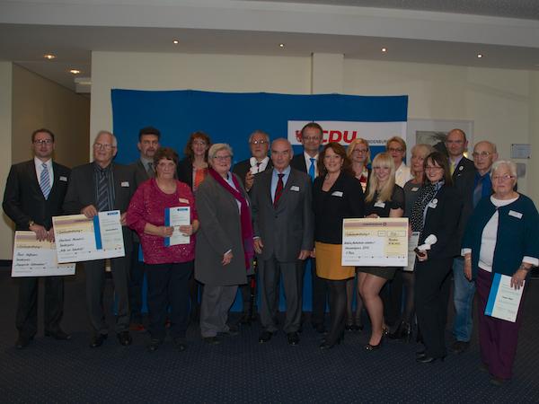 Gruppenbild mit allen Nominierten, Michael Schierack, Jörg Schönbohm, Anja Heinrich, Maria von Pawelsz-Wolf