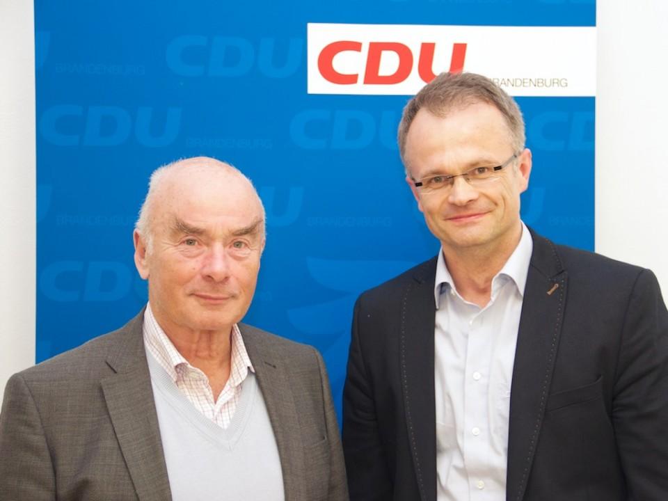 Landesvorsitzender und Spitzenkandidat zur Landtagswahl Prof. Dr. Michael Schierack mit unserem Ehrenvorsitzenden Jörg Schönbohm nach der Vorstandssitzung
