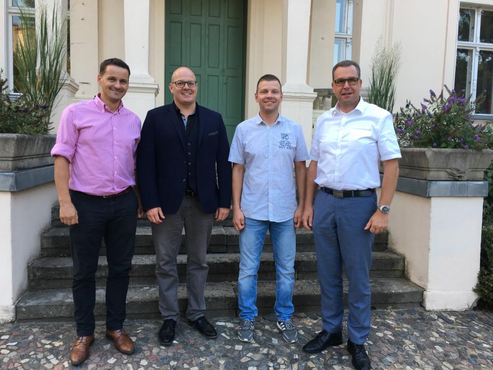 Wollen mit dem Freundeskreis den Kontakt zur Bundeswehr pflegen: Clemens Viehrig, Danny Eichelbaum, Matthias Schmieder, Rainer Genilke (v.l.n.r.).